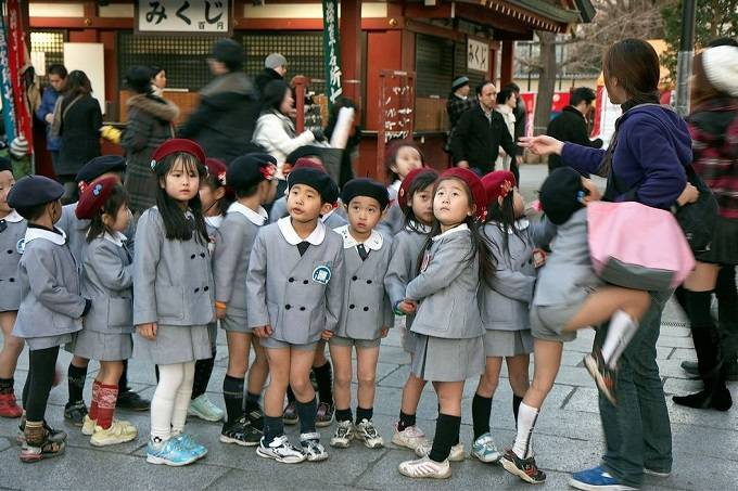 03school_uniforms_around_the_world