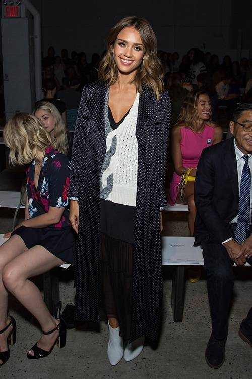 NEW YORK, NY - SEPTEMBER 13:  Actress Jessica Alba attends the Thakoon fashion show during Spring 2016 New York Fashion Week at SIR Stage37 on September 13, 2015 in New York City.  (Photo by Michael Stewart/WireImage)