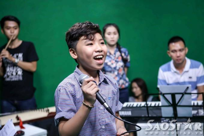 saostar - Cong Quoc - The voice Kids (11)