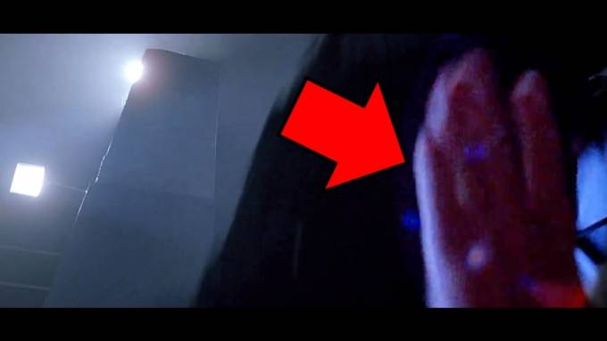10 Biggest Blockbuster Movie Mistakes You Didn't See - YouTube (720p).Still007