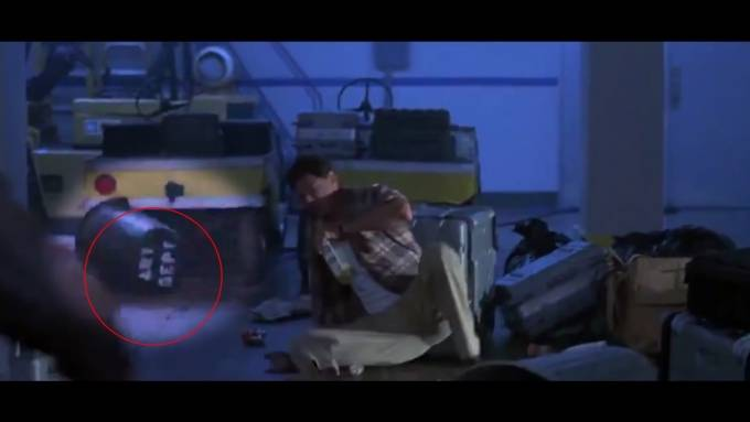 10 Biggest Blockbuster Movie Mistakes You Didn't See - YouTube (720p).Still009