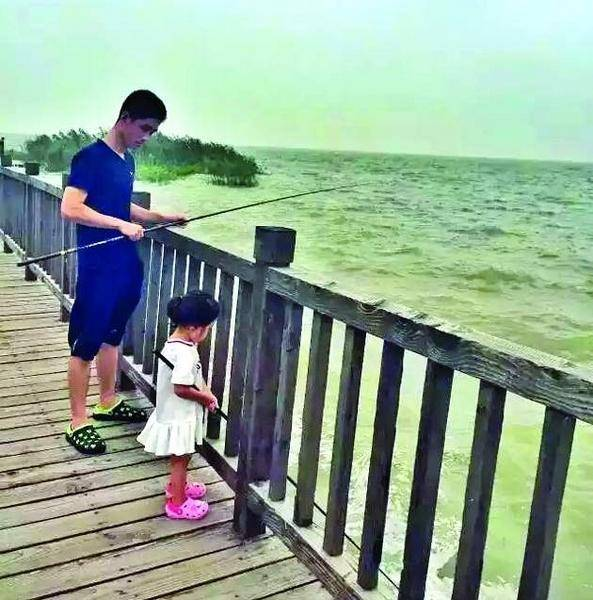 father-and-daughter-travels-3