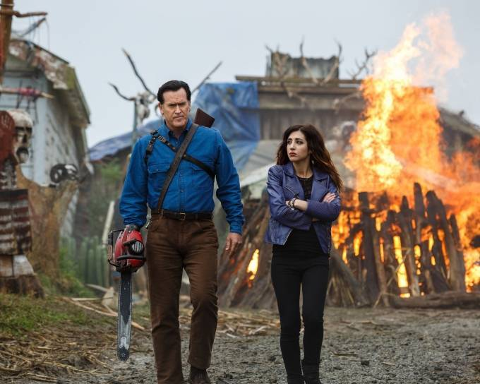 Bruce-Campbell-as-Ash-Williams-and-Dana-DeLorenzo-as-Kelly-Maxwell