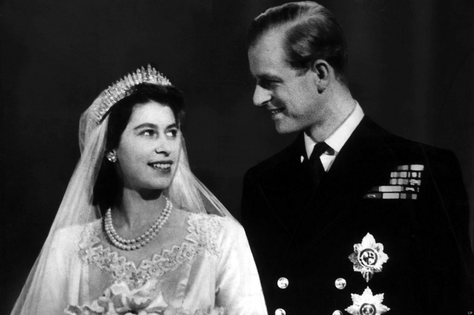 o-QUEEN-ELIZABETH-PRINCE-PHILIP-facebook
