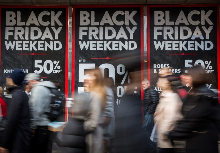 Black Friday Bargain Hunters Hit The Streets