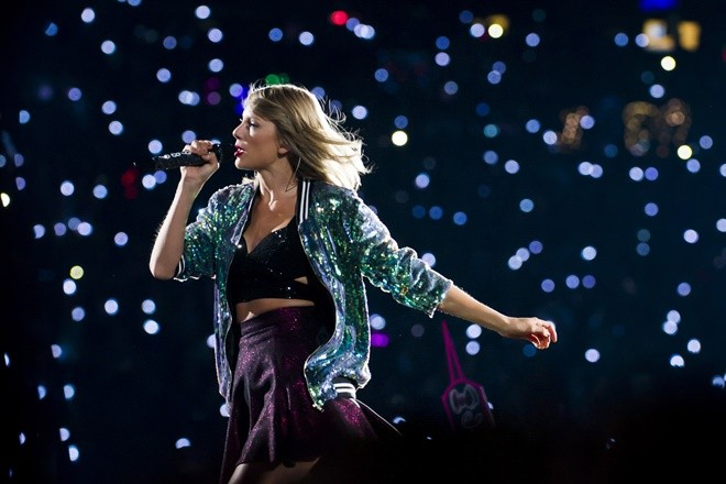 """Singer Taylor Swift performs during her """"1989"""" world tour at MetLife Stadium on Saturday, July 11, 2015, in East Rutherford, New Jersey. (Photo by Charles Sykes/Invision/AP)"""