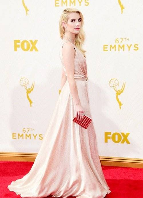 LOS ANGELES, CA - SEPTEMBER 20:  Actress Emma Roberts attends the 67th Annual Primetime Emmy Awards at Microsoft Theater on September 20, 2015 in Los Angeles, California.  (Photo by Frazer Harrison/Getty Images)