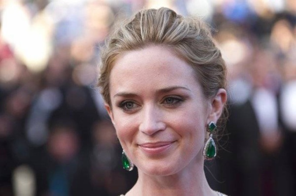 """Cast member Emily Blunt poses on the red carpet as she arrives for the screening of the film """"Sicario"""" in competition at the 68th Cannes Film Festival in Cannes, southern France, May 19, 2015.       REUTERS/Yves Herman - RTX1DOIM"""