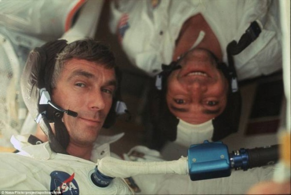2D2A4C3000000578-3263157-This_image_shows_Gene_Cernan_and_Jack_Schmitt_upside_down_during-a-60_1444220499553
