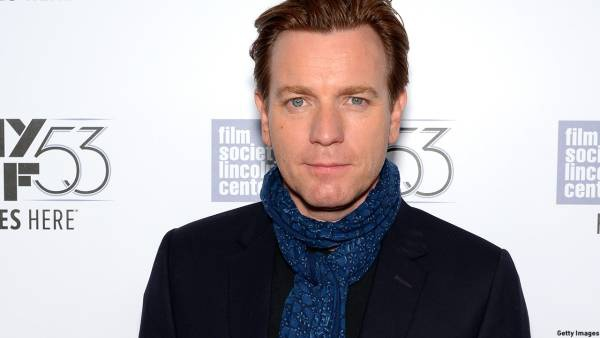 """NEW YORK, NY - OCTOBER 10:  Actor Ewan McGregor attends 53rd New York Film Festival closing night gala screening of """"Miles Ahead"""" at Alice Tully Hall, Lincoln Center on October 10, 2015 in New York City.  (Photo by Andrew Toth/Getty Images)"""