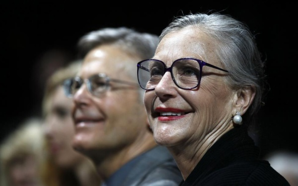 The Walton family, including Jim Walton (L) and Alice Walton, the clan who owns Walmart, gave away $375 million in 2014, according to Forbes. REUTERS/Rick Wilking