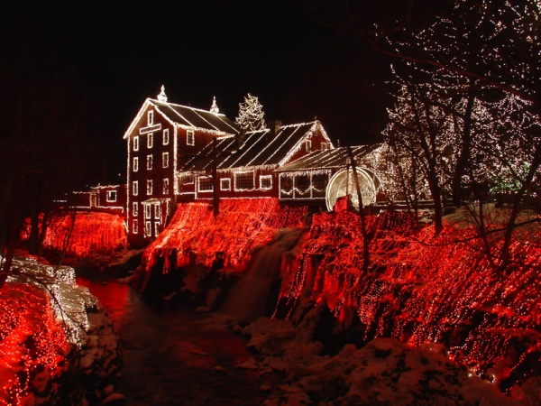 11Clifton-Mill-Christmas-over-3.5-million-lights
