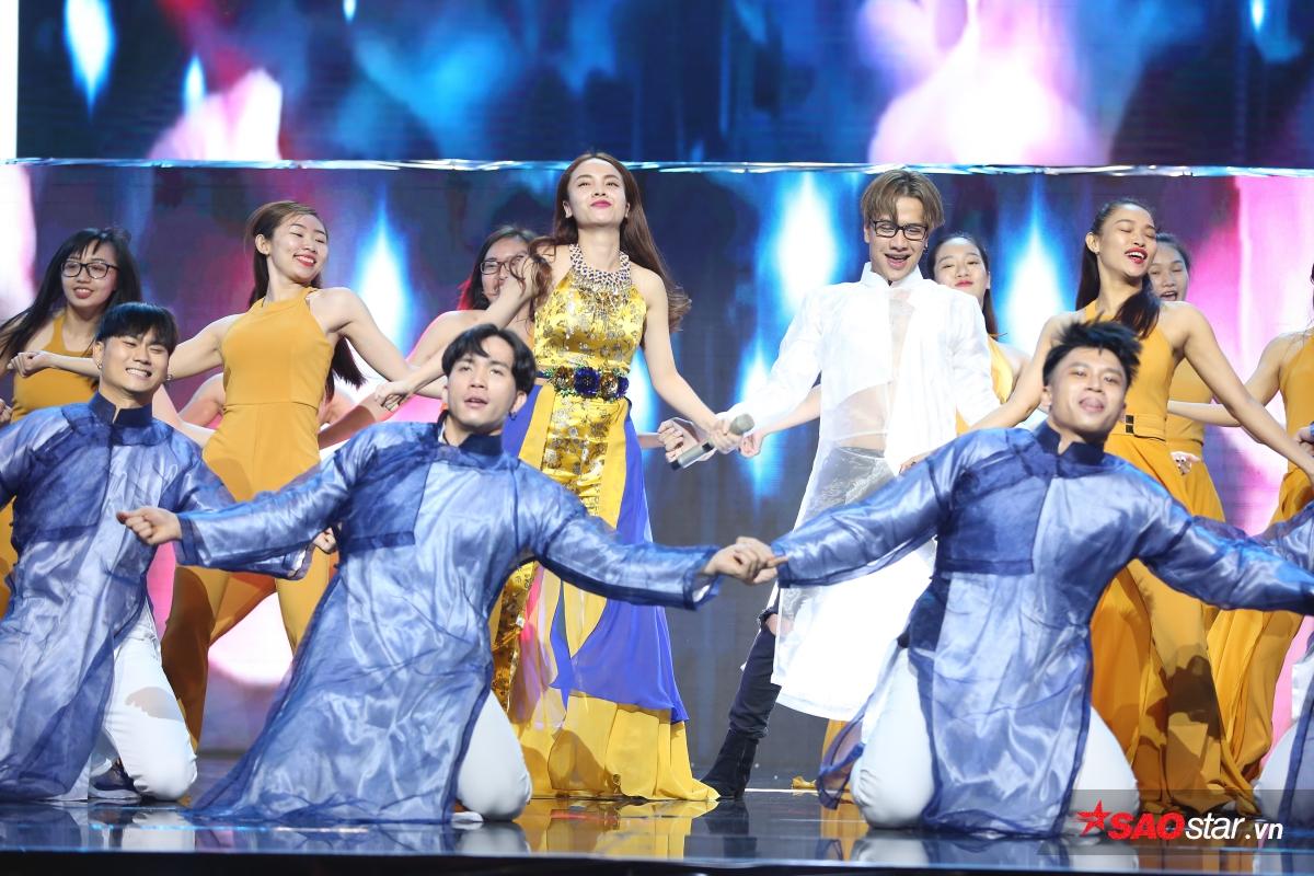 Sự kết hợp giữa Lou Hoàng và Yến Trang cùng vũ điệu EDM sôi động hứa hẹn sẽ mang đến không gian bùng nổ trên sân khấu.