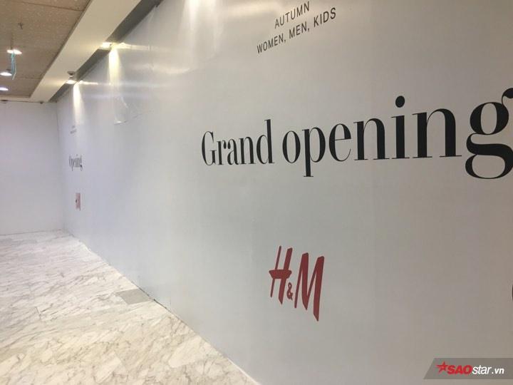 """H&M đang """"thả thính"""" các tín đồ Việt từng ngày."""