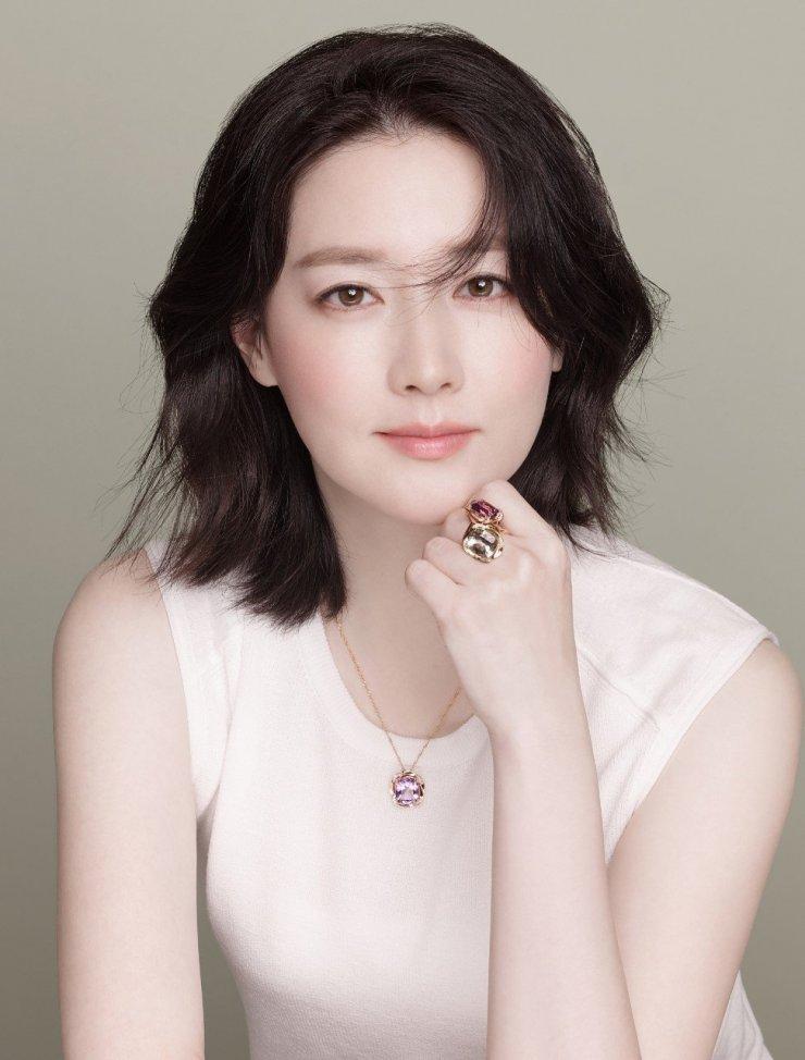 Nữ diễn viênLee Young Ae
