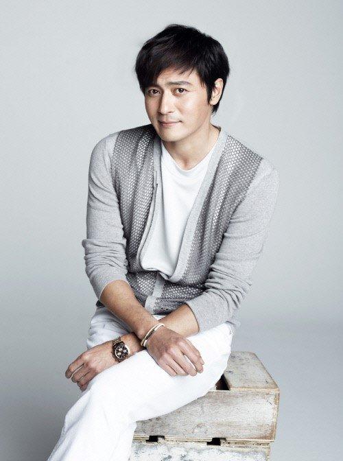 Jang Dong Gun sẽ trở lại màn ảnh nhỏ lần đầu tiên sau 5 năm từ khi bộ phim<em>A Gentleman's Dignity (Phẩm chất quýông)</em> kết thúc.