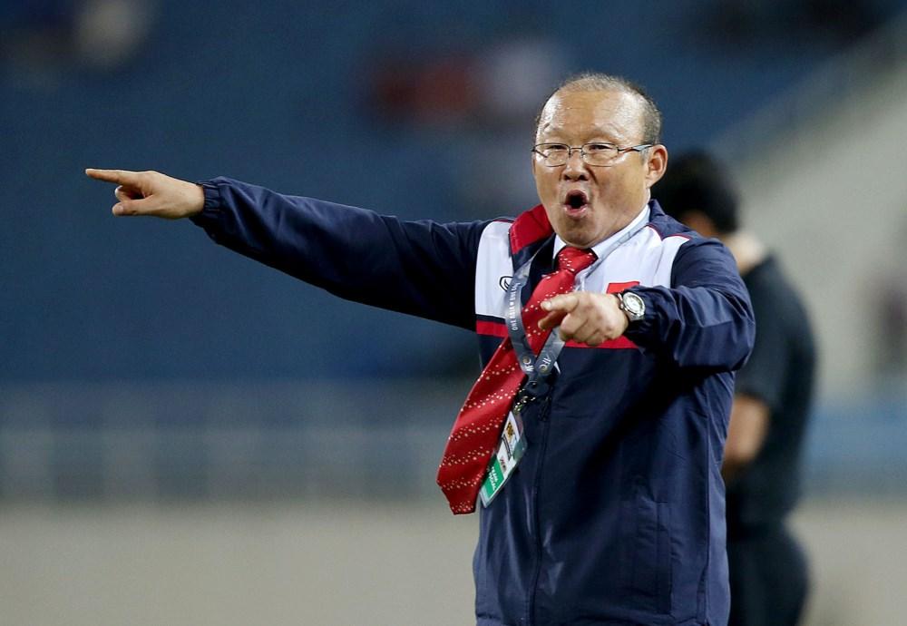 """Sự kỷ luật của đội bóng, chiến thuật và tinh thần các cầu thủ đủ nói lên tài năng của HLV Park Hang-seo. Có lẽ sau trận đấu này, khó còn ai nghi ngờ về tài năng của """"quý ngài ngủ gật""""."""