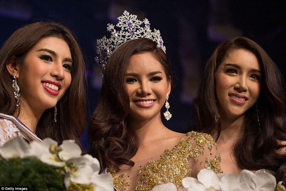 Sopida Siriwattananookool - người chiến thắng cuộc thi Hoa hậu Chuyển giới Thái Lan 2016.