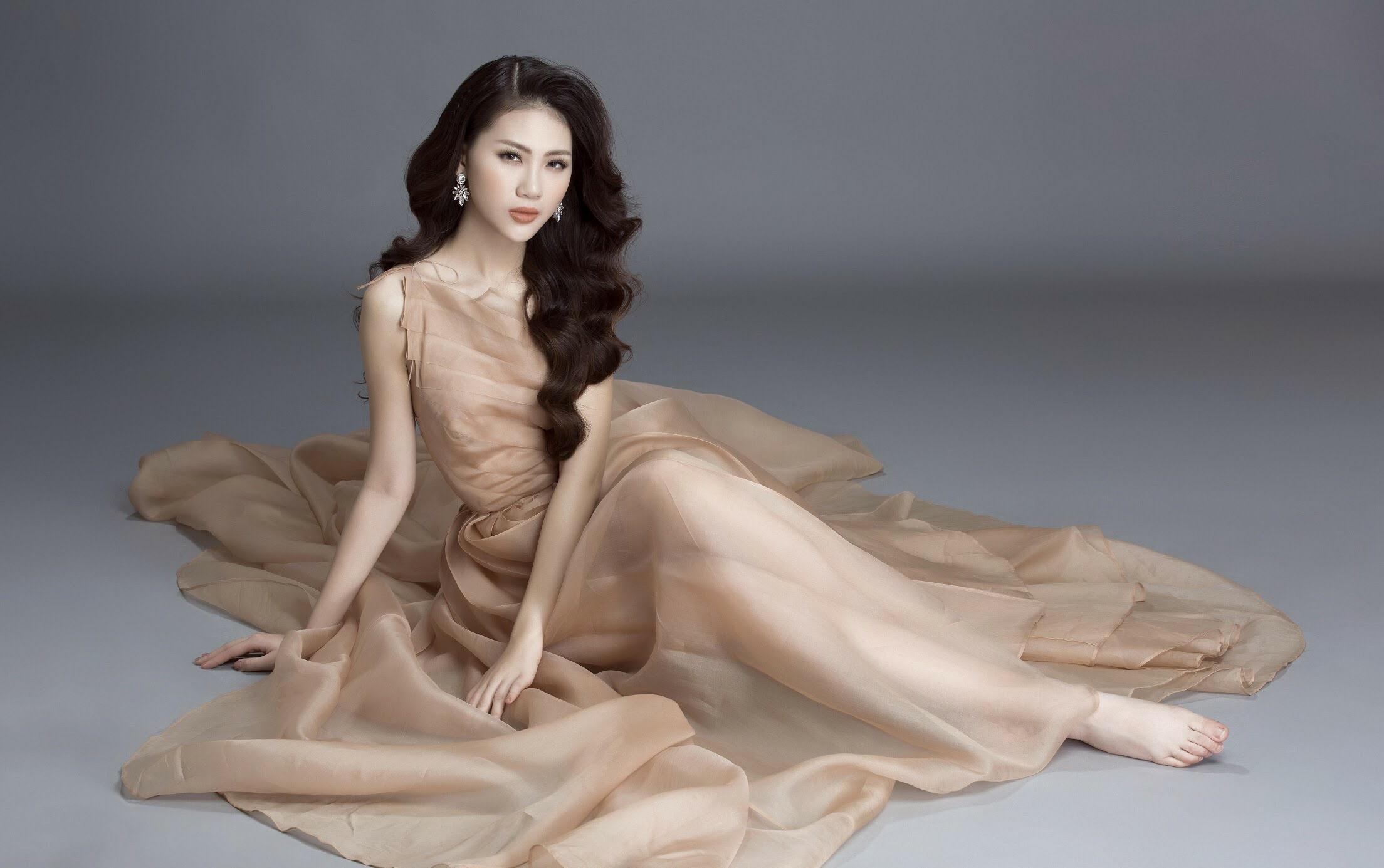 Siêu mẫu Quỳnh Hoa trở thành gương mặt đại sứ cho cuộc thi 'Hoa hậu Thế giới Người Việt 2019'