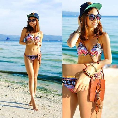 """Nếu mùa hè nào bạn cũng phải khổ sở ngại ngùng mỗi lần diện bikini thì hãy nhanh tay ghi lại những bí quyết chọn đồ bơi của các fashionista """"ngực lép""""."""