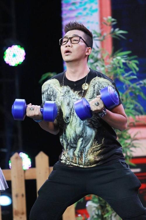 Hoài Linh đọc rap điêu luyện hạ gục ông chủ Chí Tài