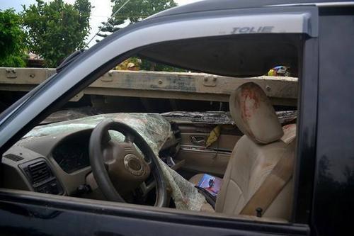 Vụ tai nạn làm 3 người trong ôtô chết tại chỗ, 5 người bị thương. Danh tính  người chết: Lê Văn Mùi (48 tuổi), Nguyễn Văn Tân (62 tuổi), Nguyễn Thái Hời (29 tuổi), 5 người bị thương: Lê Văn Minh (46 tuôi,), Lê Văn Bình (44 tuổi), Lê Văn Tuấn (23 tuổi), Nguyễn Văn Xuân (59 tuổi), và tài xế Hồ Trần Sáu (49 tuổi) cùng trú Nghệ An.
