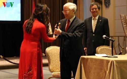Tổng Bí thư mong cộng đồng người Việt ở Hoa Kỳ luôn đoàn kết