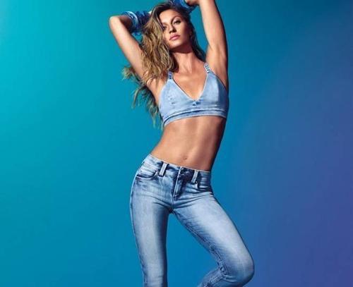 Vì bó sát chân, nên skinny jeans có thể gây ra vô số tác hại cho sức khỏe phái đẹp.