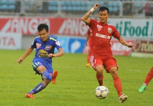 HAGL có chiến thắng quan trọng trước B.Bình Dương nhờ màn trình diễn xuất sắc của Thanh Tùng, nhưng ngay sau đó họ phải đối mặt với 2 đối thủ mạnh trên sân khách.