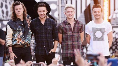 One Direction trên sân khấu.