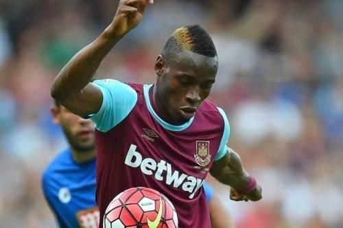 Dù đã thi đấu 3 trận, Sakho chưa có bàn thắng nào nhưng lại ghi dấu bằng thành tích bạo lực ngoài sân cỏ