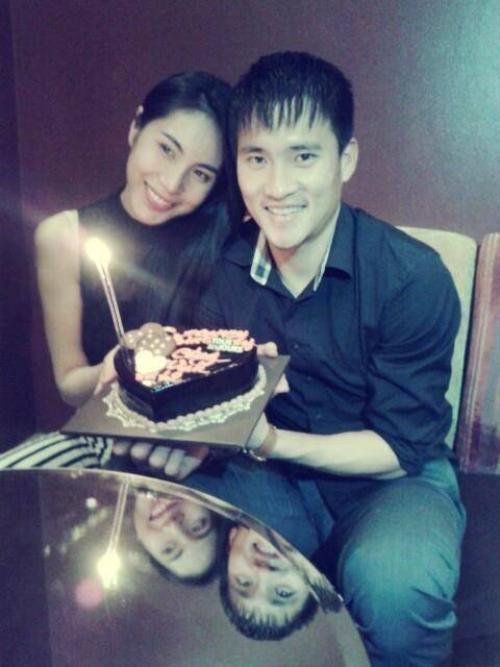 Hạnh phúc của cặp đôi Vic-Beck làng giải trí Việt.