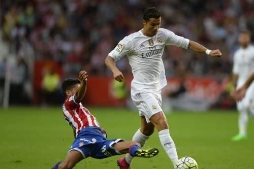 Ronaldo được các fan gọi là Vua từ thiện