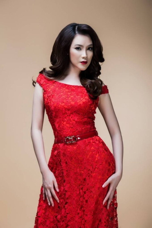 Ngoài ra, ca sĩ Hồ Quỳnh Hương sẽ tham gia biểu diễn trong đêm Chung kết xếp hạng Ngôi Sao Phương Nam với một ca khúc của nhạc sĩ Nguyễn Quang.