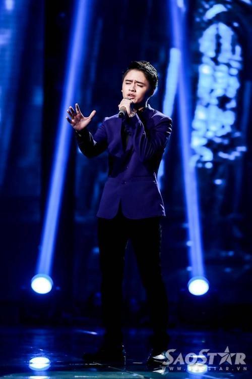 Chàng hoàng tử tình ca của Mỹ Tâm, Đào Ngọc Sang lần này quyết định mạo hiểm khi hát ngay ca khúc Sai do chính người thầy của mình sáng tác và biểu diễn.
