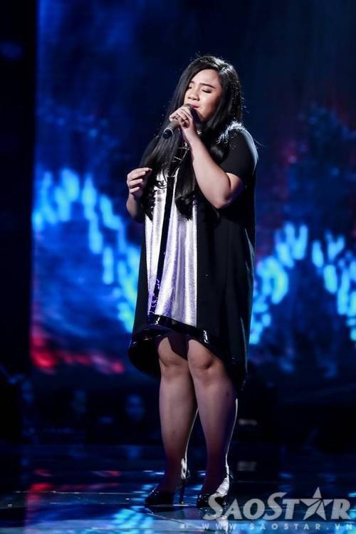 Phạm Thị Vân Anh đội Mỹ Tâm chọn ca khúc nhạc ngoại Chandelier của tác giả Sia và Jesse Shatkin.