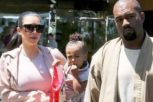 Gia đình Kim sắp đón bé trai.