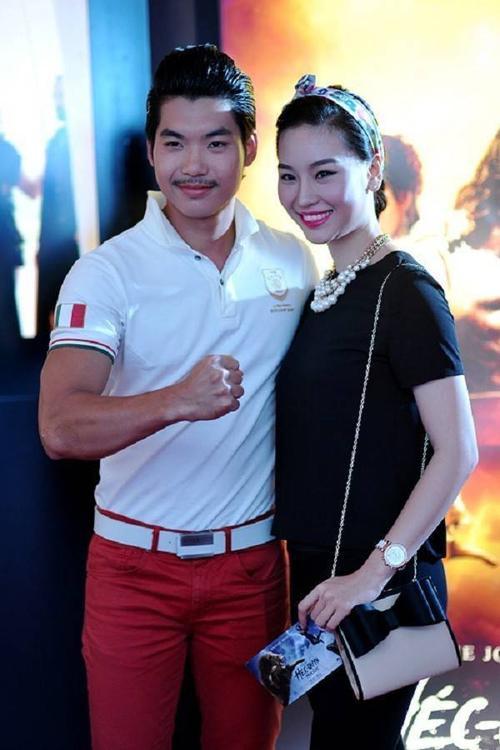 Trương Nam Thành và người yêu hiện tại- Thùy Linh. Chân dài này lớn hơn bạn trai 2 tuổi.