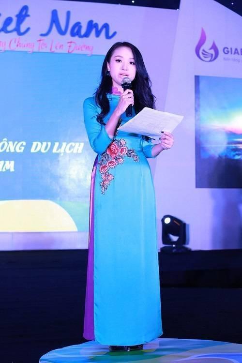 Saostar - ao dai - BTV - Thanh Van 3