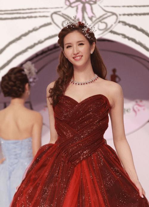 Hà Ngạo Nhi là kiều nữ xinh đẹp của TVB.