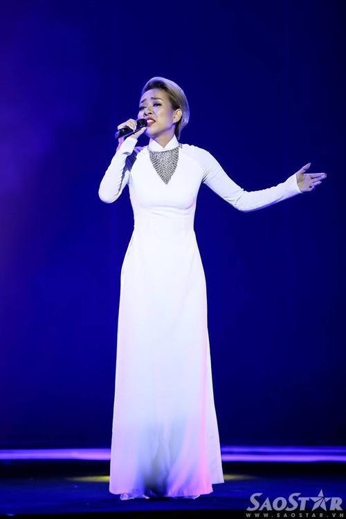 Thảo Trang chinh phục người nghe bằng chất giọng đẹp ở bản hit Heal the world.