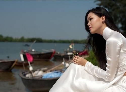 Ao_dai_huong_sac_viet_6_giaoduc.net.vn