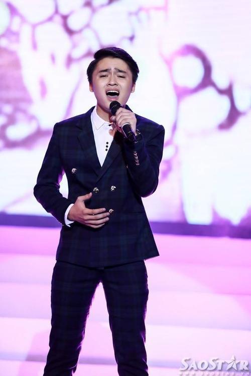Ngọc Sang - trò cưng của Mỹ Tâm ở The Voice - da diết, nhiều cảm xúc với bản hit Làm cha.