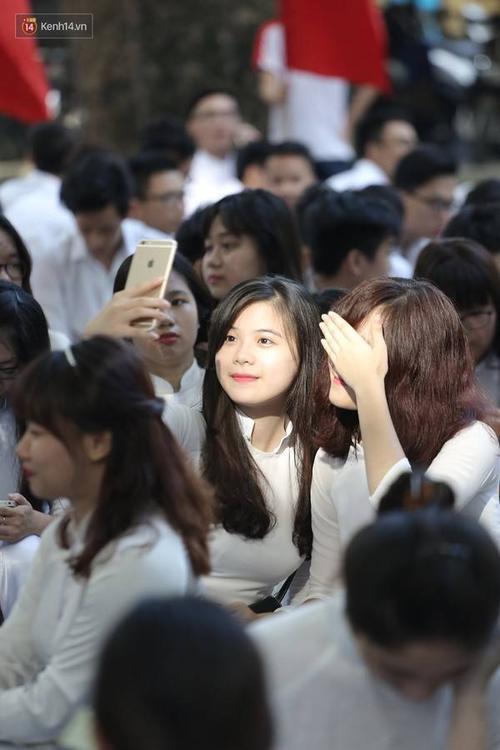 """Chưa năm nào, trường Phan Đình Phùng lại """"lép vế"""" so với các trường khác về khoản nữ sinh duyên dáng, xinh đẹp."""
