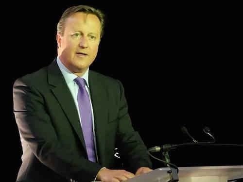 Thủ tướng Anh David Cameron nói ông xúc động khi xem bức ảnh nhưng vẫn kiên quyết giữ vững lập trường của mình trước vấn đề nhập cư.