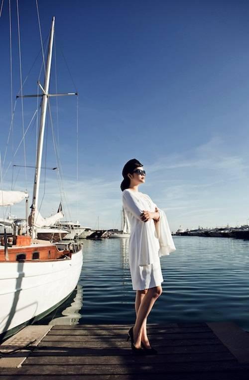 Bộ ảnh được thực hiện bởi ê-kíp: photo Lê Thiện Viễn, make-up Minh Lộc.