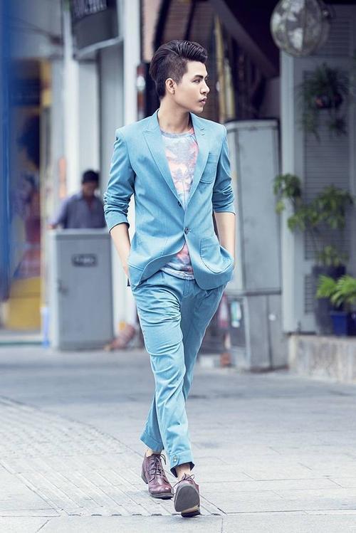 Sau hàng loạt thế hệ đàn anh, Đỗ Hiếu hiện được xem là nhạc sĩ trẻ đa tài của showbiz Việt. Chủ nhân của nhiều bản hit khủng được đánh giá cao không chỉ ở phong cách trẻ trung, văn minh mà còn bởi tư duy âm nhạc thời thượng, hiện đại.
