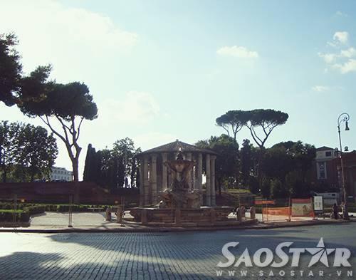 Roma một buổi chiều nắng gắt.