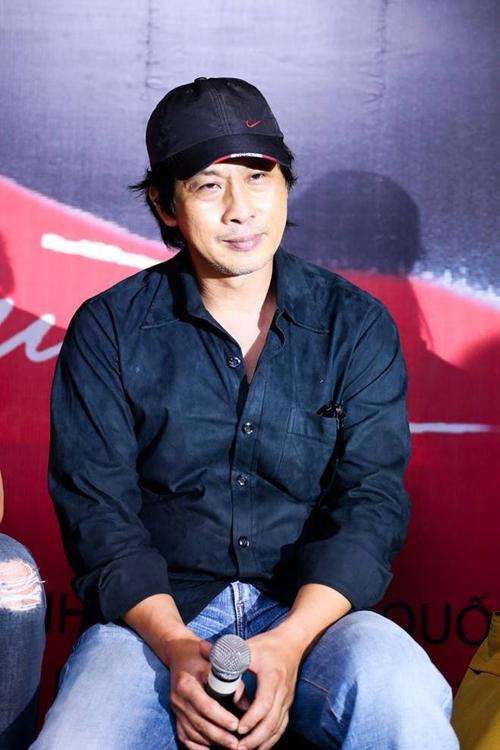 Đạo diễn Lưu Huỳnh.