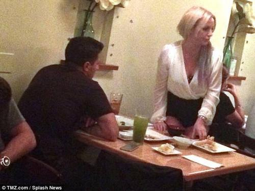 Britney Spears và chàng CEO trẻ Harry Morton trong buổi hẹn hò đầu tiên vào cuối tuần qua.